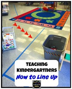 Everything you wanted to know about the First Day of Kindergarten. Kindergarten Chaos shares her 'real-life' first day schedule and includes tips and tricks Kindergarten Routines, Kindergarten First Week, Welcome To Kindergarten, Kindergarten Anchor Charts, Welcome To School, First Day Of School Activities, 1st Day Of School, Beginning Of School, Preschool Classroom