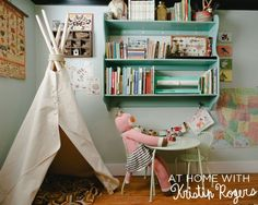 Más tipis! / Another teepee for our collection! :)
