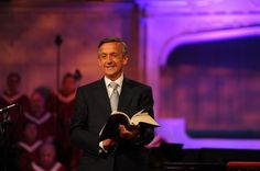 First Baptist Church in Dallas, Texas, led by Pastor Robert Jeffress, has said it will not be deterred by threats of arson carried out by the Islamic State terror group.