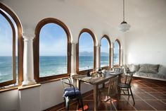Cape Town Holiday Apartment https://www.airbnb.com/rooms/2121075?s=ZEuH