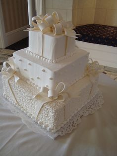 Sweet Maria's our wedding anniversary cake Golden Anniversary Cake, 50th Wedding Anniversary Cakes, Wedding Cakes, Anniversary Ideas, 50th Cake, Cake Factory, Dream Cake, Cake Gallery, Cute Cakes