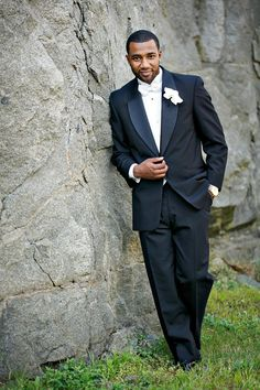 A Multicultural Black Tie Wedding in Massachusetts - Munaluchi Bridal Magazine #suitandtie #groomattire