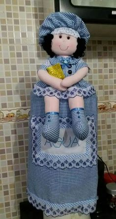 Doll Patterns Free, Dress Sewing Patterns, Free Pattern, Hand Sewing Projects, Sewing Crafts, Handmade Christmas Crafts, Custom Aprons, Plastic Bag Holders, Newspaper Basket
