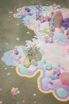 Enfourchez votre licorne arc-en-ciel, nous partons aujourd'hui à la découverte de l'univers féérique de l'artiste australienne Tanya Schultz aka Pip & Pop ! http://www.laregalerie.fr/lunivers-feerique-et-sucre-de-pip-pop/