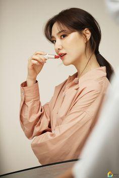 Seo Ji Hye, Korean Beauty, Asian Models, Photoshoot, Actresses, Elegant, People, Inspire, Fashion