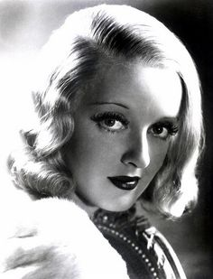 Bette Davis: This woman.this woman! She's got Bette Davis eyes. Hollywood Stars, Old Hollywood Glamour, Golden Age Of Hollywood, Vintage Hollywood, Classic Hollywood, Divas, Joan Crawford, Adrienne Ames, Stars D'hollywood