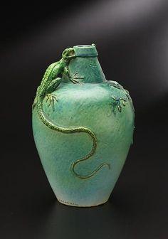Lovely lizard vase