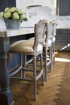 Love these counter stools. Really look comfy, too.