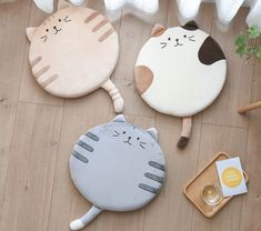 Kawaii Cat Cushion - Let's get crafty - Cats Food Kawaii, Kawaii Cat, Kawaii Makeup, Kawaii Stuff, Kawaii Girl, Kawaii Anime, Clay Projects, Sewing Projects, Projects To Try