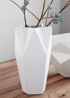 Porcelain Vase 5-Eck by Raum B   INTERIOR Vase   1ofa100