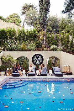 Dianna Agron's pool and backyard.