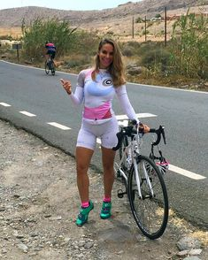 a5e5420cf On Yer Bike! 32 Of The Hottest And Tightest Lycra Cycle Wear Ideas For  Women - ShareJunkies - Your Viral Stories   Lists