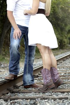 Engagement Picture Idea Taken by @Maria Holland Holland Creations Photography #engagement #portrait #railroad
