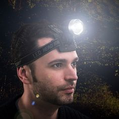 Torcia LED per Testa o Casco Adventure Goods 3,53 € https://shoppaclic.com/abbigliamento-accessori-e-dispositivi-indossabili/20015-torcia-led-per-testa-o-casco-7569000771387.html
