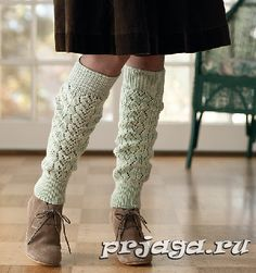 Ravelry: Spanish Moss Legwarmers pattern by Courtney Kelley. Published in November Knits Knitting Blogs, Knitting Socks, Hand Knitting, Cozy Fashion, Knit Fashion, Women's Fashion, Knitted Flowers, Spanish Moss, Creation Couture