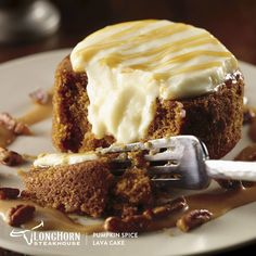 Warm pumpkin spice cake filled with a cream cheese icing and drizzled with Maker's Mark bourbon-caramel sauce and candied pecans. Pumpkin Flan, Baked Pumpkin, Pumpkin Recipes, Pumpkin Spice, Pumkin Cake, Bourbon Caramel Sauce, Molten Lava Cakes, Key Food, Deserts
