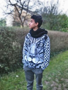 great Sweatshirt Panther, all-over-print with pattern.