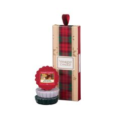 Spread Christmas cheer and fill a loved one's home with joyful seasonal scents. This collection of 3 scented wax melts features the fragrances after Sledding, evergreen mist, and candlelit cabin from the Alpine Christmas collection. #candlewick #outdoor_candle #candle_beautiful #candle_scents #tealight_candle_ideas #Christmas_gifts #the_best_gift_ever #valentines gift for him #self-love #best_wax #Christmas_ideas #Christmas_mas #Christmas_traditions #the_best_gift_ever #thank_you_gifts Yankee Candle Burner, Yankee Candle Melt Warmer, Yankee Candle Gift Set, Yankee Candle Christmas, Thirty One, Tupperware, Scentsy, Outdoor Candles, Moose