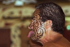 The Maori people are the indigenous people of Aotearoa (New Zealand) Maori Tattoos, Ta Moko Tattoo, Hawaiianisches Tattoo, Filipino Tattoos, Maori Tattoo Designs, Sun Tattoos, Marquesan Tattoos, Cover Tattoo, Tribal Tattoos
