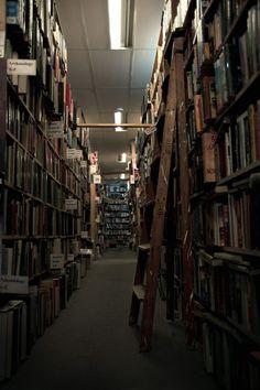 Bookshelf Porn's favorite bookshelves