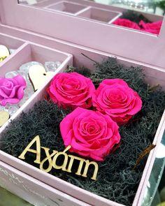 🌹 Show Your Love On Valentine's Day 🌹 Forever Roses 💕  #roses #fuchsiaroses #colour #flowershots #flowers #flowerlovers #valentinedecor #valentine #valentinegift #valentine2018 #love #showyourlove #loveiseverywhere #flowerinbox #black #fuchsia #pink #preservedroses #foreverroses #roseamor #handmade #decorations #2018 #nofilters #thessaloniki #greece #anthostheartofflowers Valentine Decorations, Handmade Decorations, Valentine Gifts, Valentines Day, Forever Rose, Preserved Roses, Thessaloniki, Flower Art, Greece
