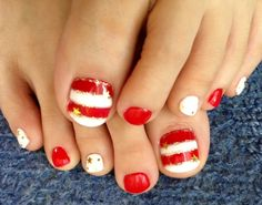 White and red toenails by Nami Pedicure Colors, Pedicure Designs, Toe Nail Designs, Pedicure Nails, Pedicure Ideas, Nail Ideas, Nail Colors, Gold Nails, Fun Nails