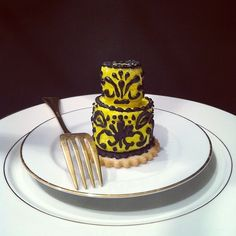 #rehearsal dinner dessert mini wedding cake tiers made with marshmallows