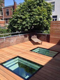 Geïsoleerd beloopbaar glas, vlak geïntegreerd in dakterrasvloer. Door onze Dakterras.nl dealer Harskamp Daken geplaatst in Groningen.
