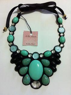 Maxi colar Fabric Bracelets, Fabric Jewelry, Beaded Jewelry, Neck Accessories, Handmade Accessories, Handmade Jewelry, Diy Necklace, Gemstone Necklace, Maxi Collar