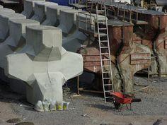 A precast concrete armour unit (ACCROPODE)