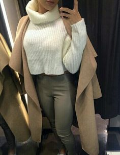 Uploaded by Find images and videos about fashion, style and outfit on We Heart It - the app to get lost in what you love. Fashion Mode, Fashion Killa, Look Fashion, Girl Fashion, Fall Winter Outfits, Autumn Winter Fashion, Casual Outfits, Cute Outfits, Pretty Outfits