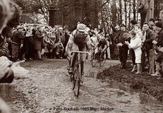 1985 Paris Roubaix - Marc Madiot Paris Roubaix, Track Cycling, Pro Cycling, Vintage Cycles, Classic Image, Bicycle Race, Historical Images, Road Racing, Tours
