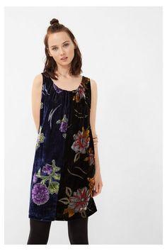 Vestido negro de terciopelo Brasov   Desigual.com