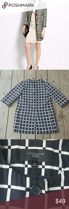 HOST PICKAnn Taylor  Windowpane Jacquard Topper Cotton.  Lined, Petite med, excellent condition Ann Taylor Jackets & Coats Blazers