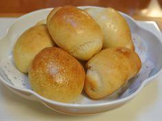 テーブルロールとレーズンパン *メープルシロップ、豆乳、ココナッツオイル使用