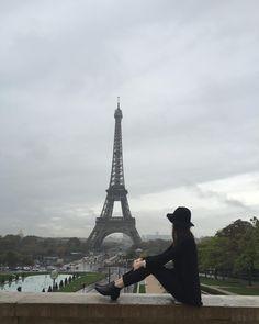 가기 싫다 너무   #instravel #travelpic #travelstagram #eiffel  #france #paris #daily #dailypic #healing  #파리 #에펠탑 #에펠타워 #샤이오궁 #일상 #데일�