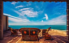 Playa Bonita is located Beachfront in Rosarito. This modern boutique hotel offers free Wi-Fi, free secure parking and free unlimited calling to Mexico, USA. Rosarito Beach, Places To Travel, Places To Visit, Floor Murals, Urban Survival, World Photo, Baja California, World Of Color, The Good Place
