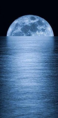 Wow!  Moon |   Visit us at: http://thumb.li