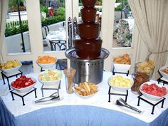 New Fruit Kabobs Display Chocolate Fountains Ideas Chocolate Fountain Recipes, Chocolate Fountains, Chocolate Fondue, Party Platters, Deco Fruit, Fondue Fountain, Fruit Juice Recipes, Fondue Party, Chocolates