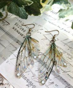 "Rather pretty ""Faerie wing earrings"" - Our very pretty fair. - Rather pretty ""Faerie wing earrings"" – Our very pretty fairy wing earrings are … Rather p - Cute Jewelry, Jewelry Accessories, Jewlery, Fairy Jewelry, Hippie Jewelry, Sprinkle Of Glitter, Accesorios Casual, Wing Earrings, Crystal Earrings"