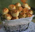 Füstölt sajtos-krumplis pogácsa hajtogatás nélkül Scones, Potato Salad, Muffin, Potatoes, Breakfast, Ethnic Recipes, Food, Morning Coffee, Eten