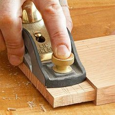 Hand planer on tenon Mortise And Tenon, Joinery, Woodworking Projects, Two By Two, Projects To Try, How To Make, Strong, Christmas, Bricolage