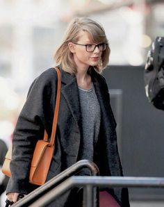 I've never seen her wearing glasses besides YBWM music video