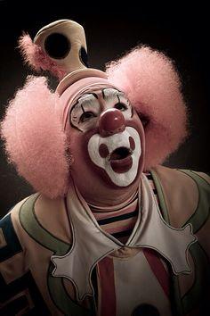 By Nicola Okin Frioli Es Der Clown, Le Clown, Clown Faces, Creepy Clown, Circus Art, Circus Clown, Circus Theme, Dark Circus, Pantomime