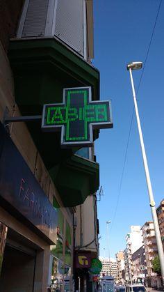 3. Compro pastillas para la garganta en la farmacia de guardia