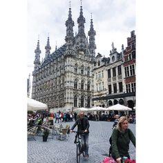 "Fatma Aliosman (@faliosman) on Instagram: ""#grotemarkt #leuven #everydaylife #urban #texture"""