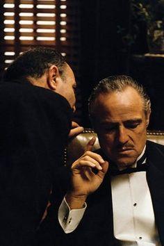 Marlon Brando as Don Vito Corleone Marlon Brando, Gangsters, The Godfather Wallpaper, Don Corleone, Fredo Corleone, Godfather Movie, Gangster Movies, Gangster Suit, Photo Star
