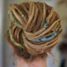 Very pretty colors for dreads