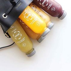 Faça o detox da Drink6 e receba a vosso encomenda em qualquer parte! Frutas e legumes 100% naturais para dar energia e eliminar toxinas do organismo. Peça já em www.drink6detox.pt #bomfimdesemana foto: @luisapedroso #detox #saúde #vidasaudável #Drink6