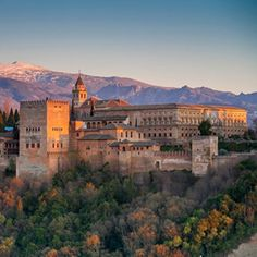 Winter sunset at the Alhambra palace and fortress complex, Granada, Andalusia, Spain. Malaga, Andalusia Spain, Alhambra Spain, Grenade, Spain And Portugal, Sierra Nevada, South Of France, Spain Travel, Places To See
